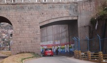 Propaganda electoral no afecta monumentalidad del puente Almudena