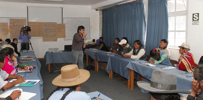 Líderes indígenas se capacitan en formulación de políticas y programas de desarrollo