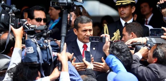 Cusqueños abuchearon e insultaron al presidente Ollanta Humala