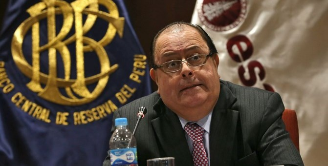 Ante cuestionamientos, presidente del BCR renunció al incremento de su sueldo