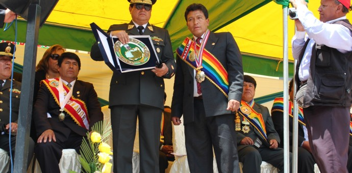 En Lucre declaran Hijo Predilecto al Jefe de la Región Policial del Cusco