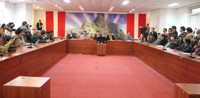 Ministro Mayorga no llegó al Cusco y aún no hay fecha para dialogar