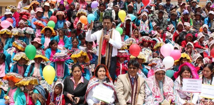 Autoridades regionales dirigieron el inicio del año escolar en comunidad de Tiracancha