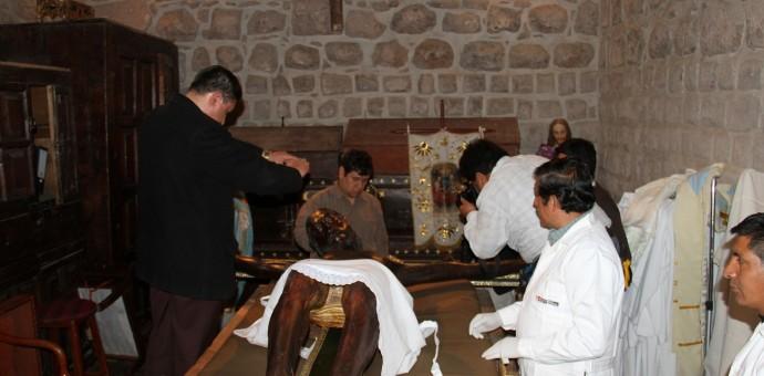 Iniciaron trabajos de limpieza y conservación del «Taytacha» de los Temblores