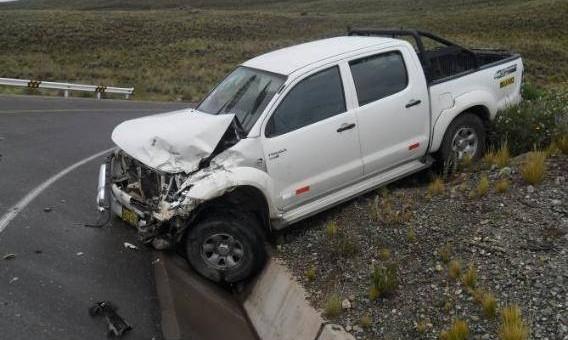 Choque entre dos vehículos en la vía Descanso – Sicuani