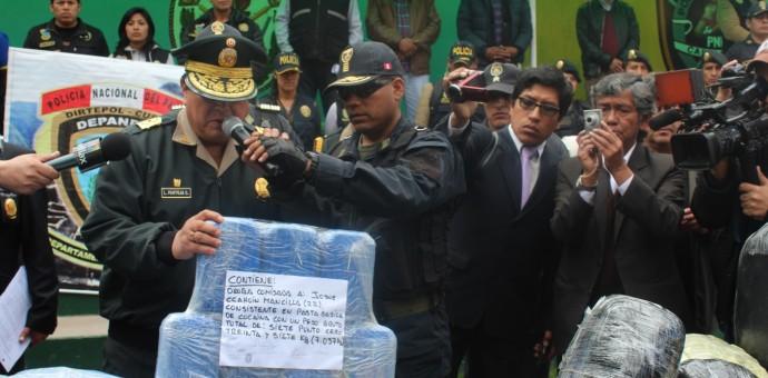 Policía incauta más de 20 kilos de pasta básica de cocaína en La Quebrada