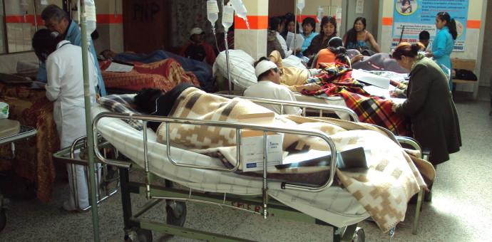 Disponen 11 ambulancias del sector Salud para auxiliar heridos de Paucartambo