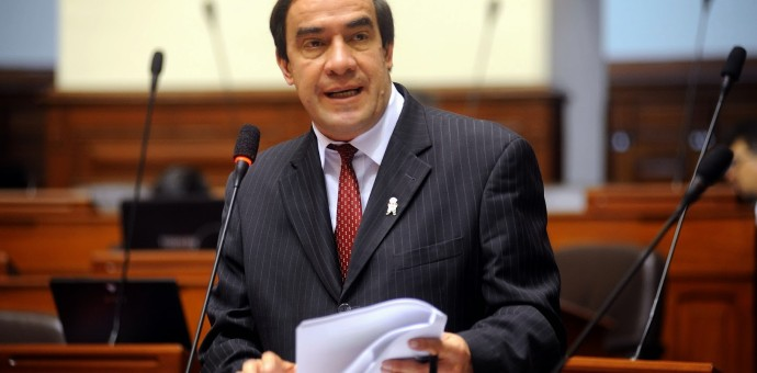 Congresista puneño Yonhy Lescano confirma candidatura presidencial