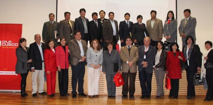 Caja Cusco y Educación firmaron convenio para favorecer a maestros cusqueños