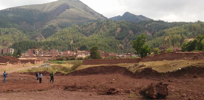 Destruyen Andenes Inkas para construir viviendas en zona arqueológica de Larapa