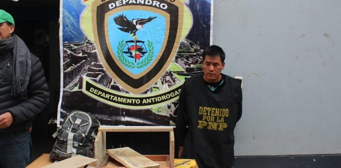 Detienen a supuesto albañil con más de 4 kilos de pasta básica de cocaina