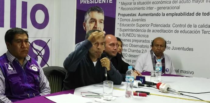 Las grandes ausencias en el discurso de Julio Guzmán