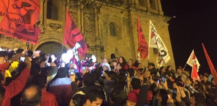 [FOTOS] de Alfredo Barnechea en Cusco, lleno total en conferencia sobre el gas