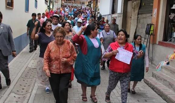 Pobladores de Machu Picchu se movilizan y denuncian a Electro por apagones