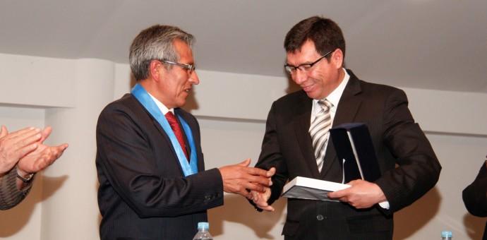 Director de Cultura fue distinguido por el Colegio de Economistas de Cusco