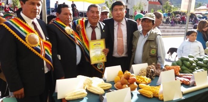 Productores de maíz Chullpi de Paruro fueron premiados en feria mundial de Rusia