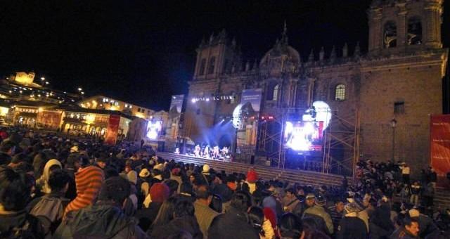 Claro presenta Noche de Luces y Sonido por el Mes Jubilar del Cusco