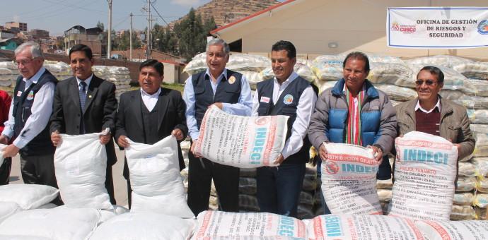 Entregan más de 500 toneladas de ayuda humanitaria para afectados por el frío