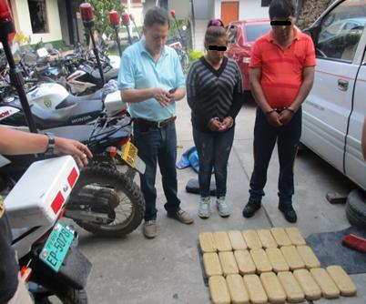 Capturan a dos personas con más de 22 kilos de pasta básica de cocaína