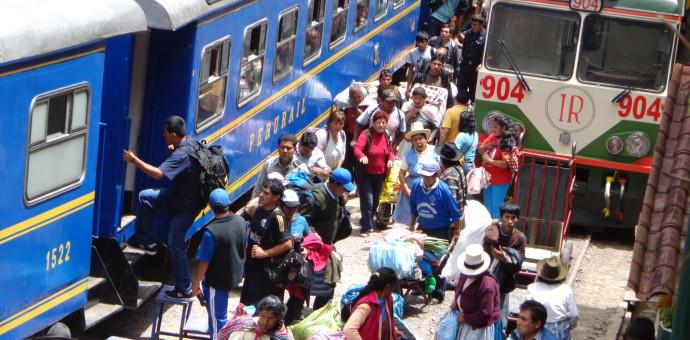 PeruRail sostiene que pasajera abandonada en el Km. 104 era boliviana y decidió bajar sola