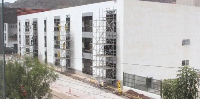 Advierten que hospital Antonio Lorena no se terminaría ni el 2018