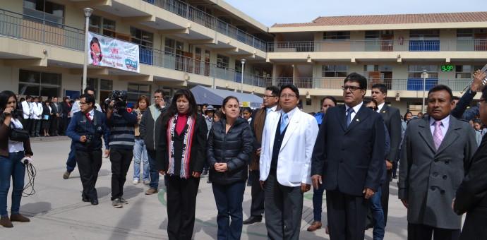 Ministra de Salud llegó al Cusco sin ningún discurso claro sobre el hospital Antonio Lorena