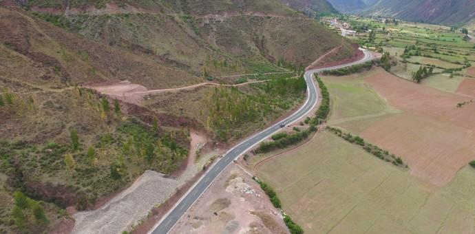 Autoridades regionales inauguran asfaltado de la vía Armapampa-Caicay en Paucartambo