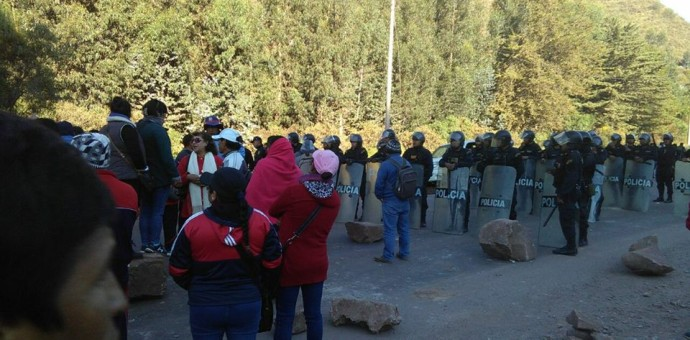 Suter Cusco exige la destitución de la ministra de Educación Marilú Martens