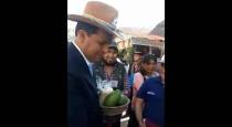 La impertinencia del Gobernador Regional al ignorar a un niño en la Expo Huancaro (VIDEO)
