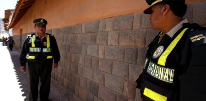 Disponen que 400 policías cusqueños salgan de sus oficinas y brinden seguridad en las calles