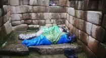 turistas durmiendo
