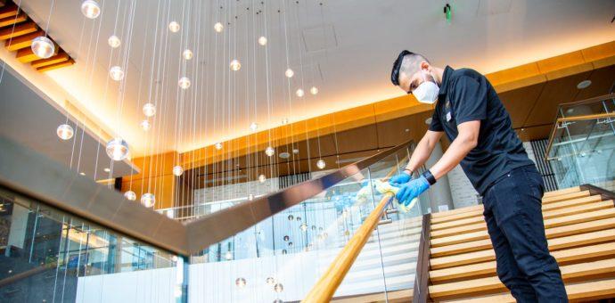 ¿Qué están haciendo los hoteles para desinfectar las habitaciones durante la pandemia?