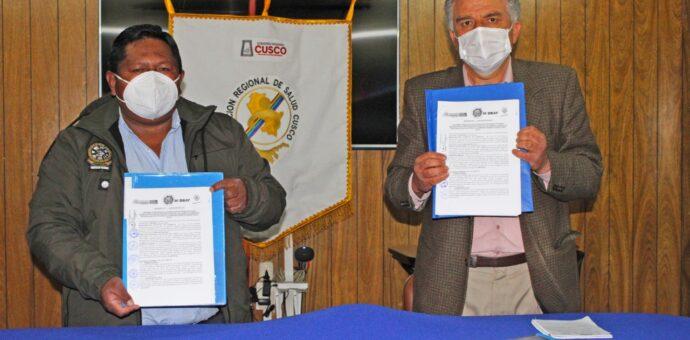 Minera Hudbay firma convenios para donar ambulancias a distritos de Livitaca y Chamaca