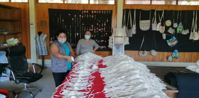 Artesanas de Camisea se empoderan y confeccionan mascarillas para combatir el COVID-19