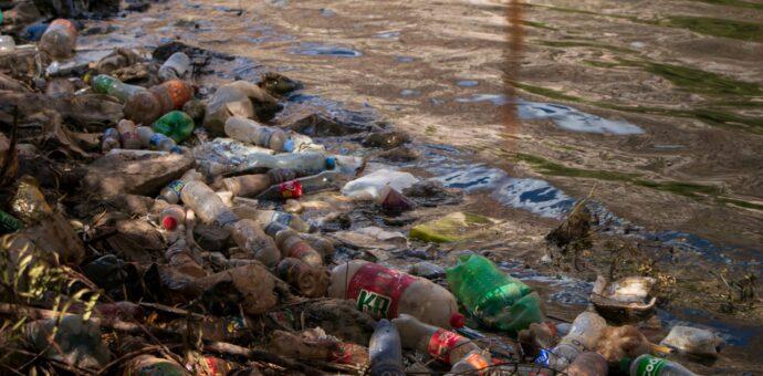 El río sagrado de los incas agoniza ante la indiferencia de la población y autoridades.