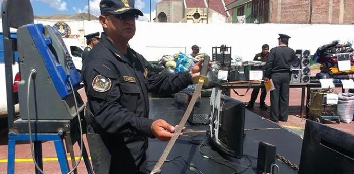 Policía interviene en San Sebastián adolescentes que portaban este sable