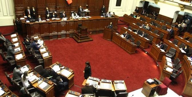 Aprueban eliminar reelección inmediata de alcaldes y presidentes regionales