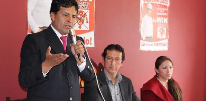 Candidato de Kausachun Edwin Licona responde a denuncia por lavado de activos