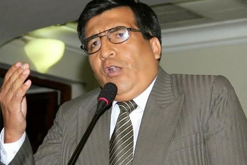 En Sesión de concejo municipal acordaron denunciar a congresista Hernán de la Torre