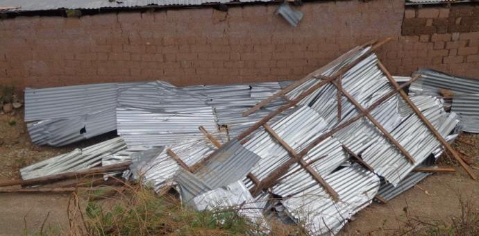 Fuertes vientos causan serios destrozos en el distrito de Mollepata