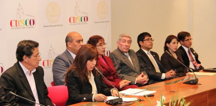 Alcalde del Cusco critica duramente gestión municipal de Luis Florez