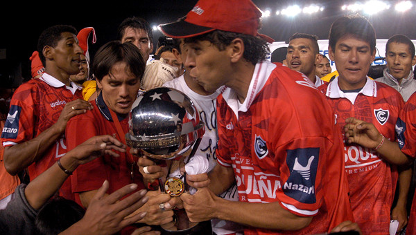 Apoyemos aJuan Carlos Bazalar, uno de los jugadores que nos llevó a la gloria.