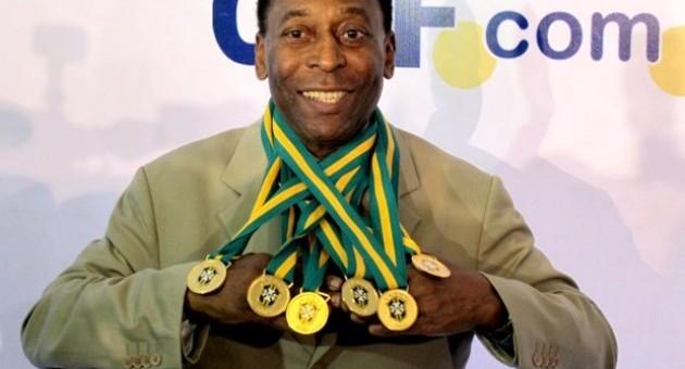 Anuncian la llegada de Pelé, el rey del fútbol, a la ciudad del Cusco