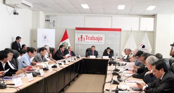 Consejo Nacional del Trabajo abordará tema del sueldo mínimo el 7 de mayo