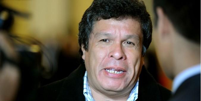 Suspenden por 120 días al congresista Heriberto Benitez por el caso «La Centralita»