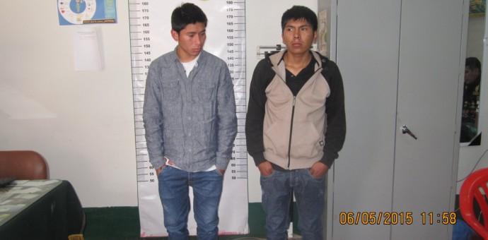 Capturan a dos peligrosos sujetos que asaltaban con armas blancas