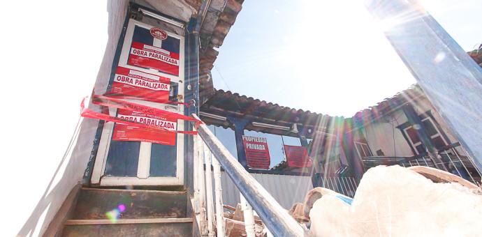 Paralizan construcción clandestina en la calle Maruri