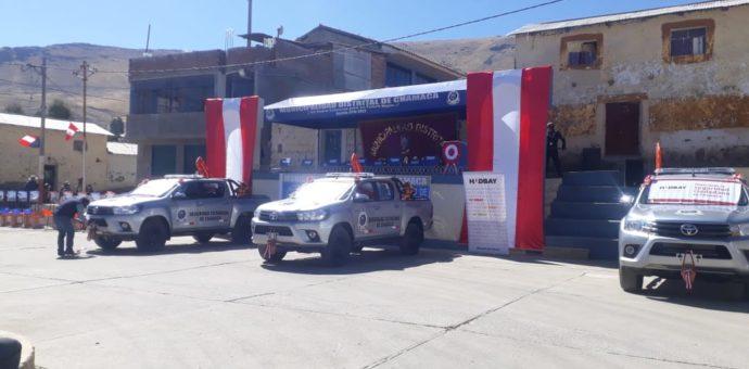Hudbay Perú entrega camionetas y motos al distrito de Chamaca