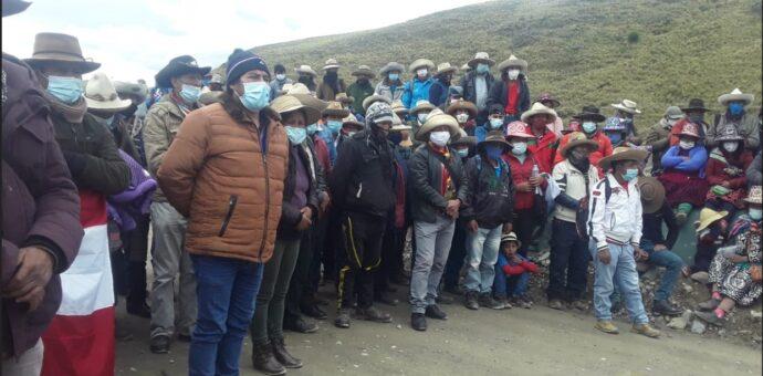 Hudbay invoca a autoridades y dirigentes de Chumbivilcas a deponer bloqueo de carretera y retomar diálogo