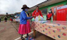 Funcionarios públicos supervisan calidad de los alimentos que se distribuyen a ecolares en Cusco